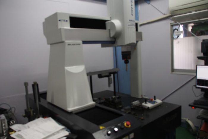 ミツトヨ 三次元測定機